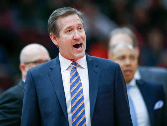 New York Knicks head coach Jeff Hornacek protests a call against his team during the first half of an NBA basketball game against the Chicago Bulls, Saturday, Dec. 9, 2017, in Chicago. (AP Photo/Kamil Krzaczynski)