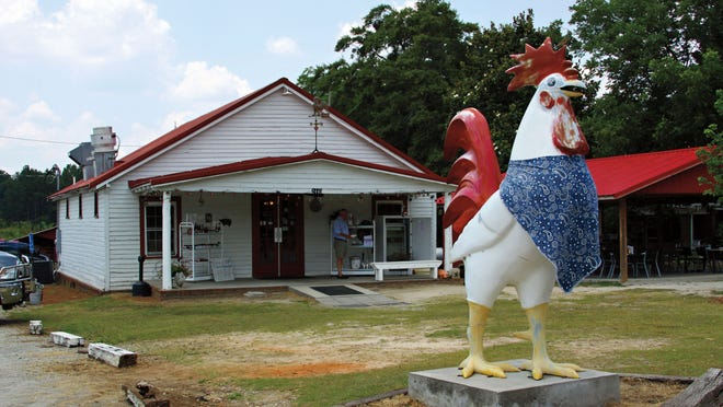 Grits & Groceries is located at the crossroads of South Carolina highways 185 and 284 in Belton.
