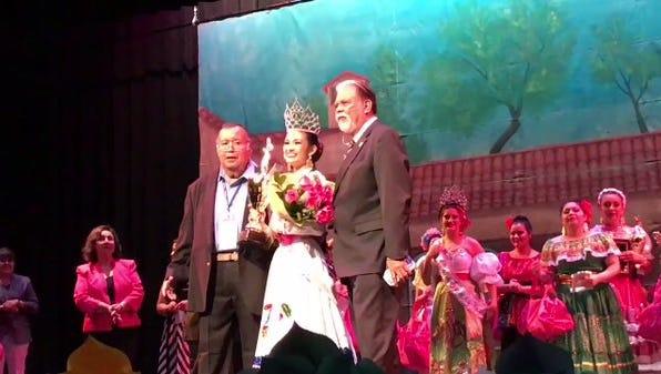 Victoria Morin is the new Féria de las Flores queen #VivaCC