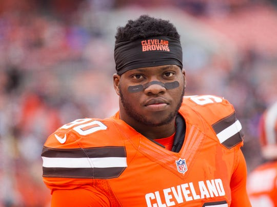 Cleveland Browns outside linebacker Emmanuel Ogbah (90) before the game against the New York Jets at FirstEnergy Stadium. The Jets won 31-28.
