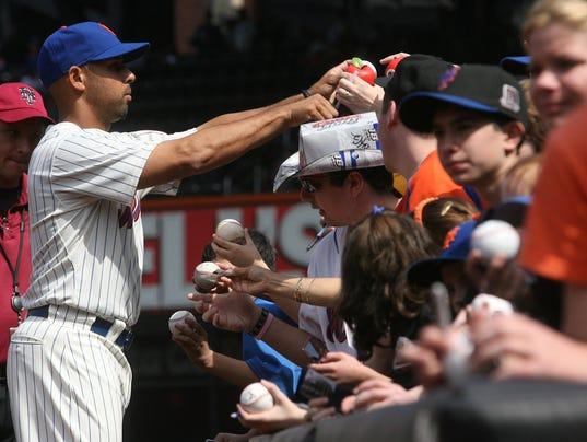 pening Day -- Florida Marlins vs NY Mets --