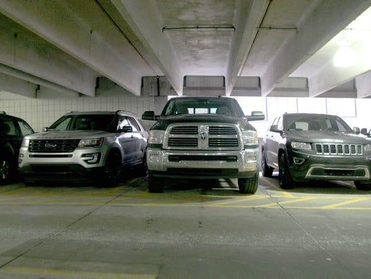636513682145561491-Trucks-parking-22.JPG