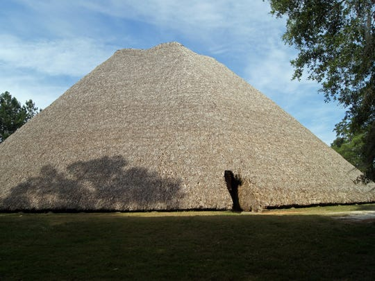 The Mission San Luis Apalachee Council House is a pyramid-shaped thatched building, which served as a community meeting place, 125 feet in diameter and five stories high with a hearth in the center where ceremonial rituals and dances were performed.