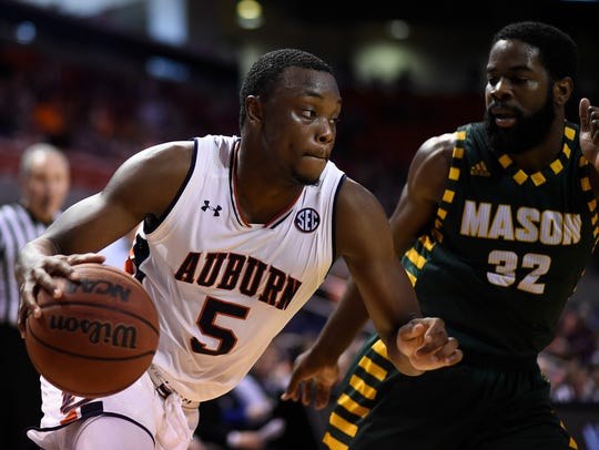 Auburn guard Mustapha Heron returned from a back spasms injury to produce 16 points in a 76-70 win over Middle Tennessee in Birmingham on Dec. 16, 2017.