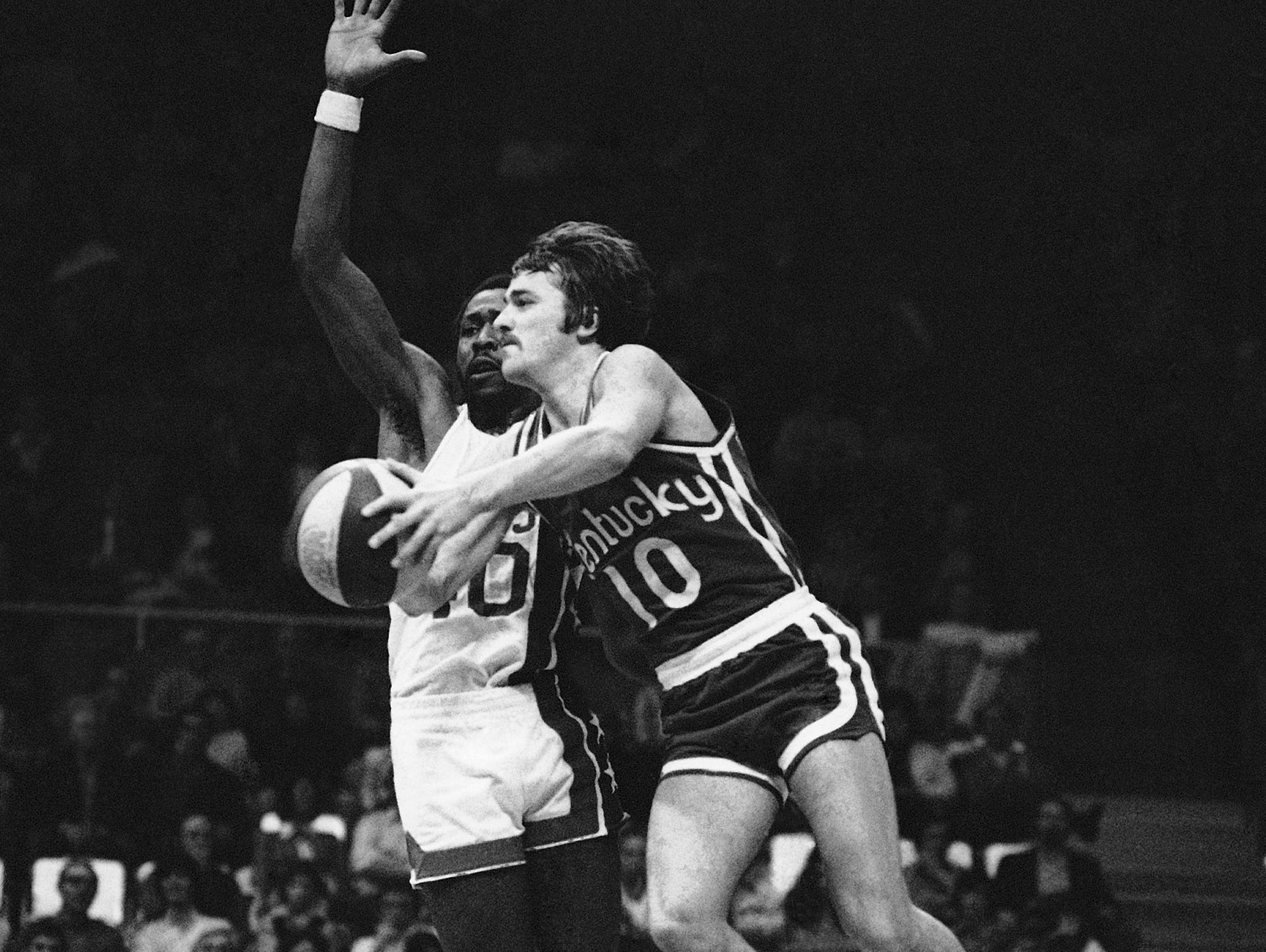 The Kentucky Colonels' Louie Dampier shown here Nov. 20, 1972.