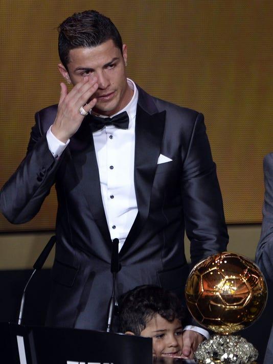 d2dc212fae4 Cristiano Ronaldo wins FIFA Ballon d Or award as world s best player