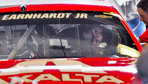 Five time winner Jeff Gordon prepares for practice