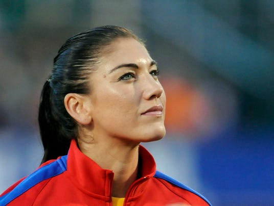 2014-9-22-hope-solo-field