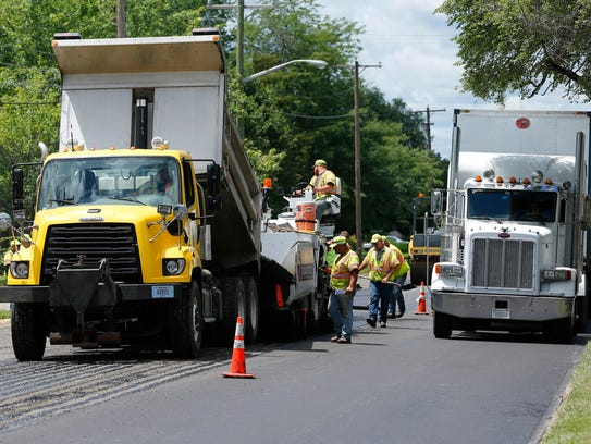 INDOT is resurfacing Teal Road/U.S. 52 from South 30th Street to East County Road 900 South.