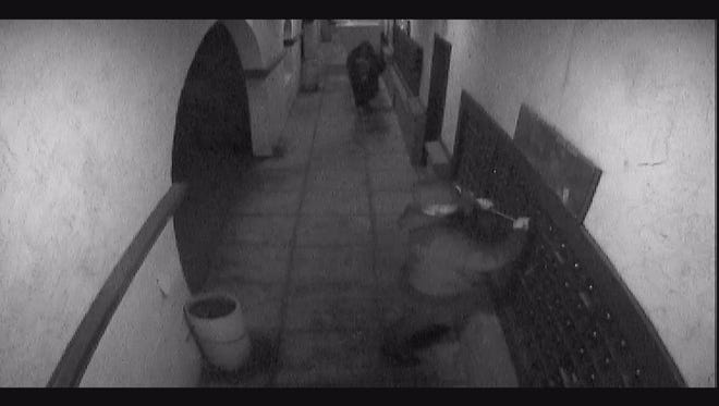 Secret Witness is offering a reward for information leading to the arrest and prosecution of two suspects.