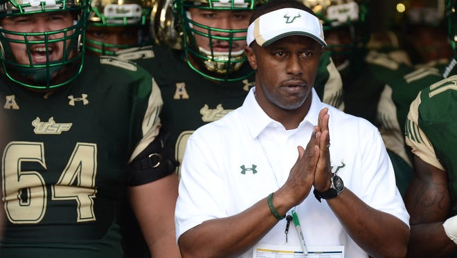 Sep 5, 2015; Tampa, FL, USA; South Florida Bulls head coach Willie Taggart prepares to take his team onto the field against Florida A & M Rattlers at Raymond James Stadium. Mandatory Credit: Jonathan Dyer-USA TODAY Sports