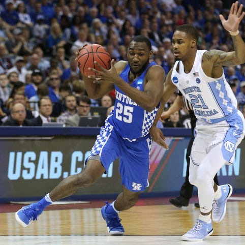Former Kentucky guard Dominique Hawkins may face NBA-NFL decision