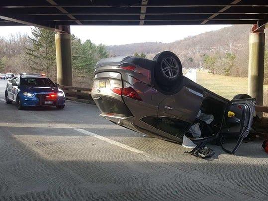 Crash on Saw Mill ramp to Taconic