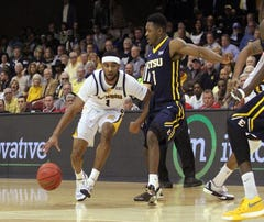 Chattanooga holds off ETSU for SoCon title