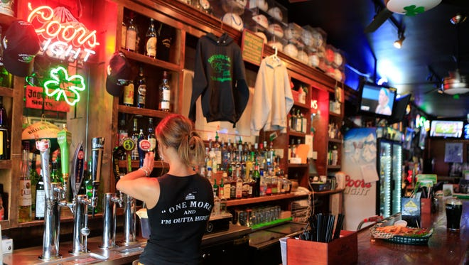 Shenanigans Irish Grille owners announced the decision to close the Highlands bar Monday evening.