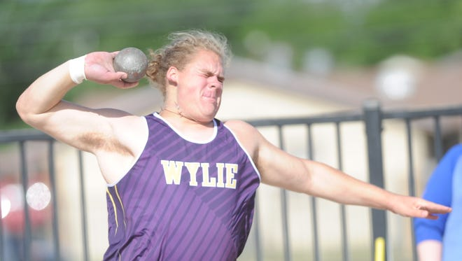 Wylie's Kade Parmelly competes in the shot put at the Region I-4A meet Friday, April 28, 2017 at Lowrey Field in Lubbock.