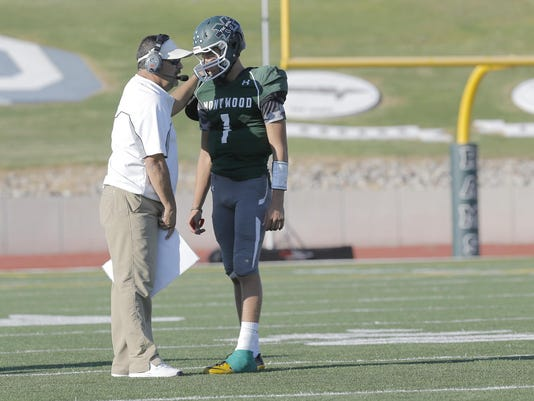 FOOTBALL MONTWOOD 5