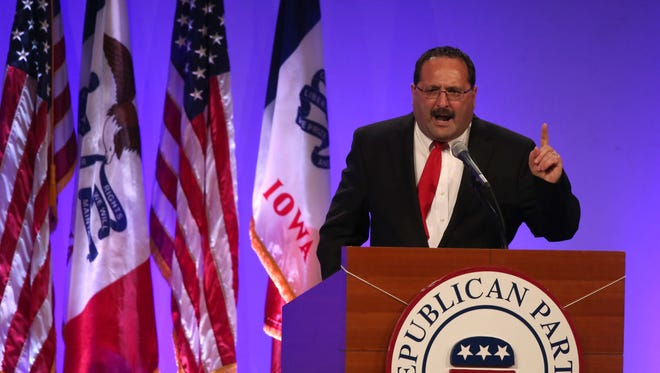 Iowa GOP Chairman Jeff Kaufmann speaks at the 2015 Lincoln Dinner in Des Moines on May 16, 2015.