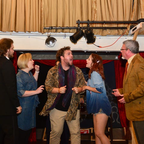 'Footlight Frenzy,' a play within a play, lets audience in on the joke