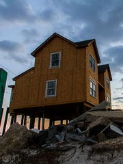 A federal government watchdog is scrutinizing how a New Jersey monitored a key contractor after superstorm Sandy.