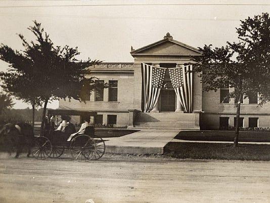 Neenah Library 1910.jpg