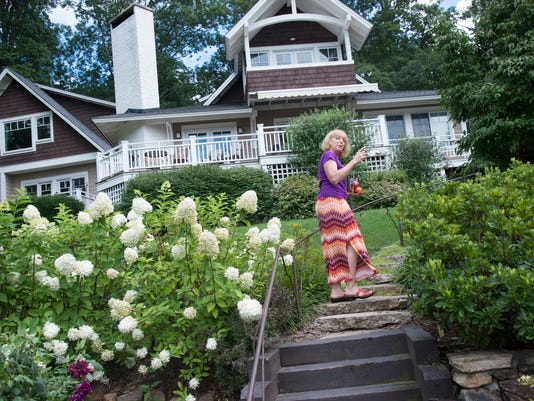 BMN 081816 Arbor House