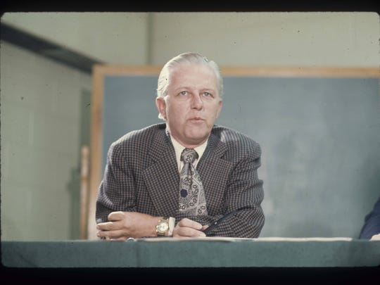 President John Pruis announces Ball State University is joining the Mid American Conference at a news conference in 1973.