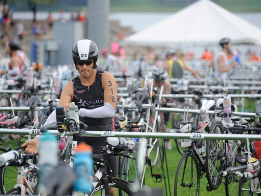 2014IronmanSwim-BikeDLH20