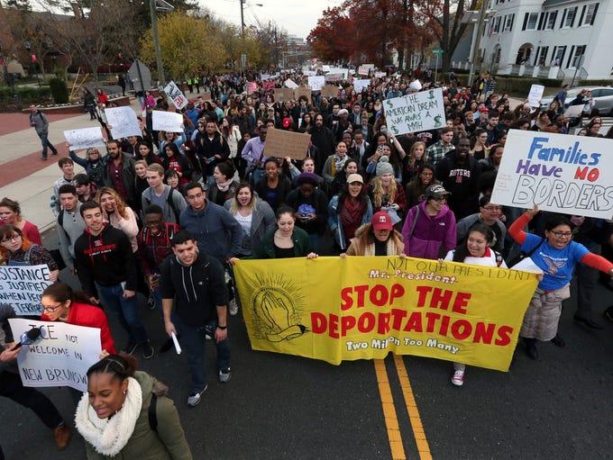 Hundreds of Rutgers University students block College