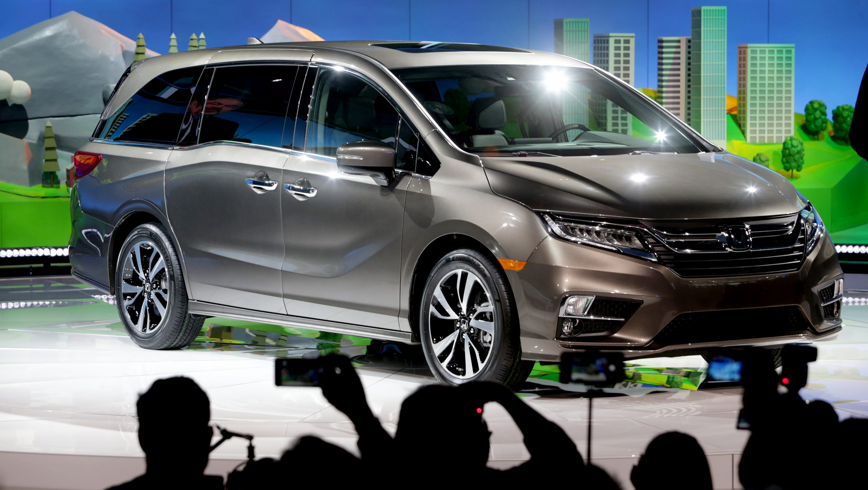 See the all new 2018 Honda Odyssey revealed at the Detroit auto show