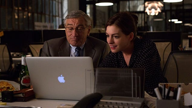 Robert De Niro and Anne Hathaway may not have become best buds while making 'The Intern,' but Hathaway says she trusted that their characters' chemistry would carry the film.