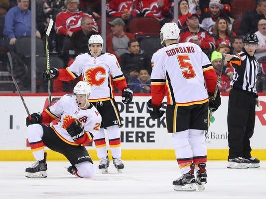 NHL: Calgary Flames at New Jersey Devils