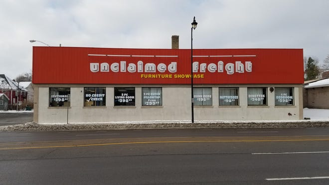 Unclaimed Freight is located at 811 Lake Ave.