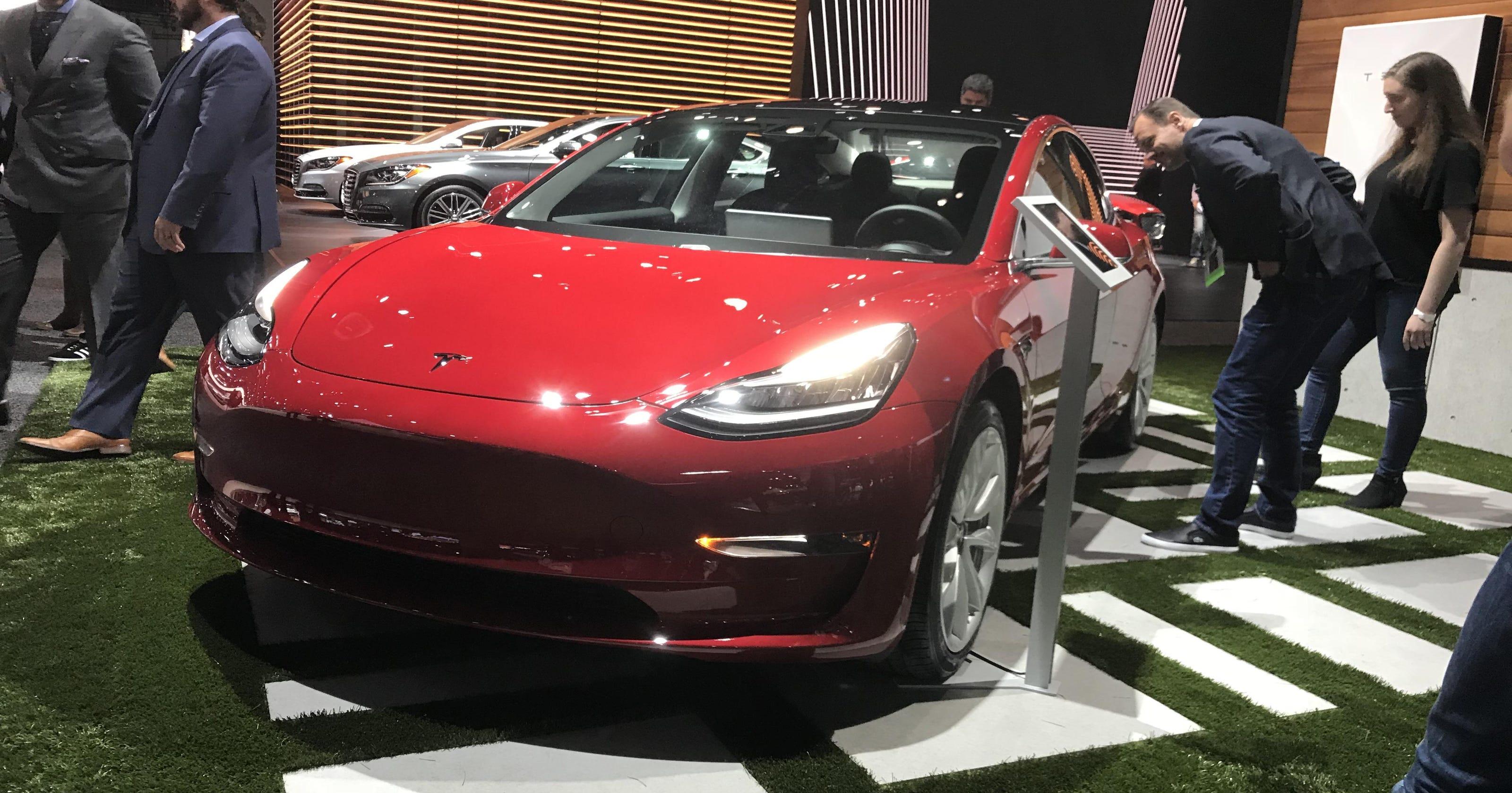 Tesla Generates Buzz As Electrics Rule La Show