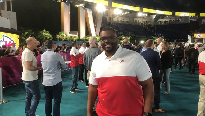 Former Inlet Grove player and coach Terry Bradden Jr. will be at the Super Bowl as the Kansas City Chiefs defensive quality control coach.
