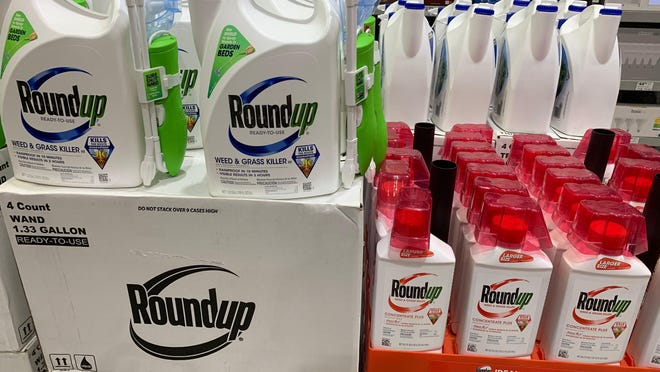 Agribusiness giant Monsanto, which was purchased by German giant Bayer in June 2018, is settling lawsuits claiming its weed killer causes cancer for up to $10.9 billion.