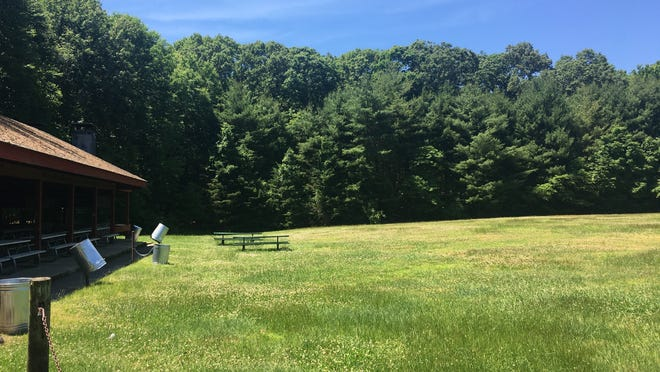 The nine-hole disc golf course is now slated for a site on Mohegan Park Road next to Field Pavilion. It replaces a previous proposal that would have established the course off Wilderness Road on the periphery of the area cleared for the failed Chelsea Botanical Gardens project.
