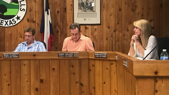 West Lake Hill adopted its budget for the 2021-21 fiscal year during a council meeting Sept. 9.