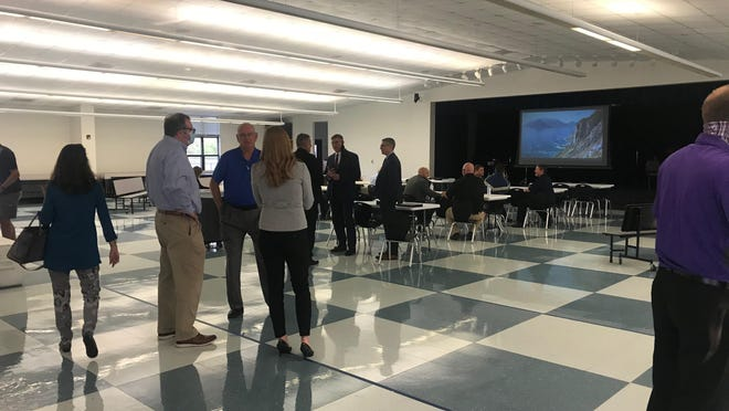City of Anna staffers and residents mingle with potential police chief candidates during an Oct. 6 Meet the Candidates event.
