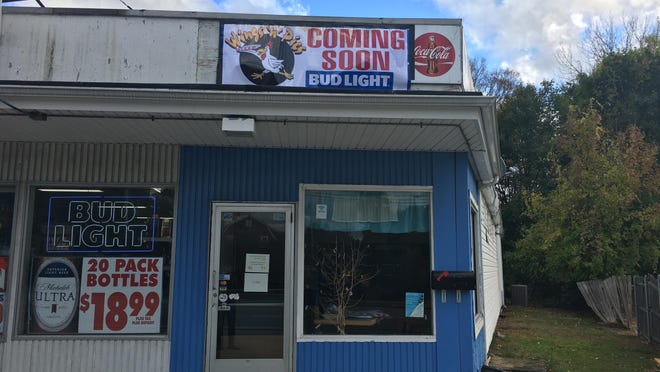 Wings N' Pies will be opening soon on West Main St. in Norwich.