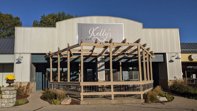 Kelly's Bar & Grill, located at 977 Butternut Drive in the building formerly home to Turk's Inn, will open to the public Saturday, Oct. 10.