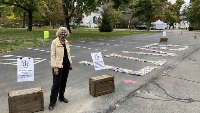 Linda Loring introduces the Soul Box Project to Kingston with 1,160 soul boxes representing 1,160 souls, predominantly Plymouth County residents, injured or killed by guns.