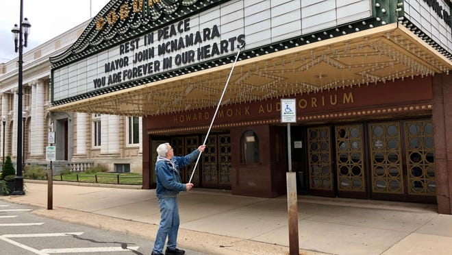 "The marquee at the historic Coronado Performing Arts Center in downtown Rockford was changed Thursday to display the message ""Rest in peace Mayor John McNamara, you are forever in our hearts."" McNamara, who served two terms as mayor from 1981-89, died Wednesday at age 81."