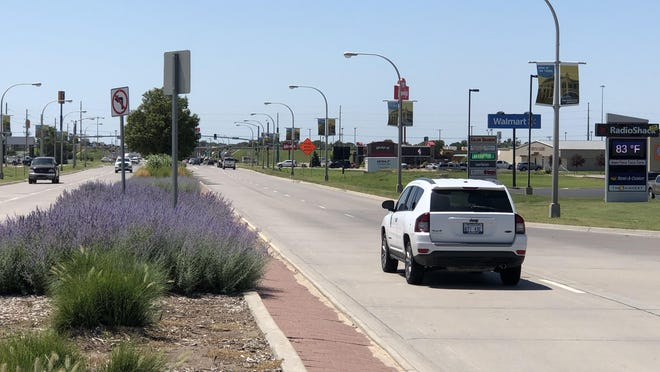 Construction of a three-quarter intersection at 45th and Vine streets will allow left turns off Vine onto 45th by demolishing and removing the existing median and salvaging the landscaping.