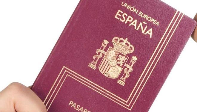 A Spanish passport is shown.