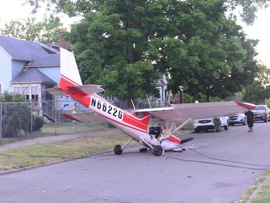 636027029518053891-banner-plane-crash.jpg