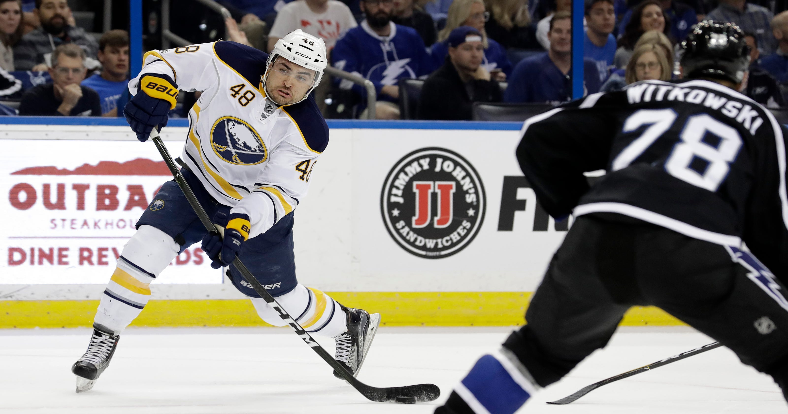 94b25fba0c1 Point scores twice to lead Lightning past Sabres 4-2
