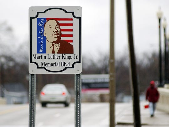 A sign denoting Martin Luther King Memorial Boulevard at the intersection of Broadway and Hackley Street in 2004.