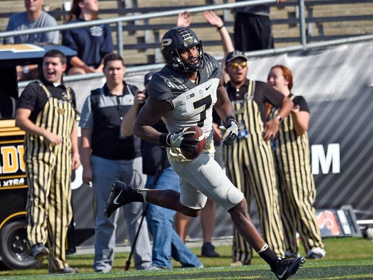 Purdue wide receiver DeAngelo Yancey scores a TD on