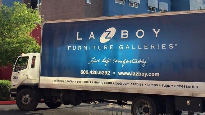 La-Z-Boy® Furniture Galleries of Arizona employees participate as volunteers in their community.